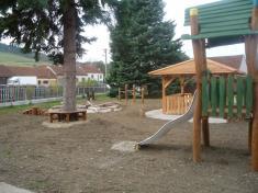 Vybudování dětského hřiště v roce 2014